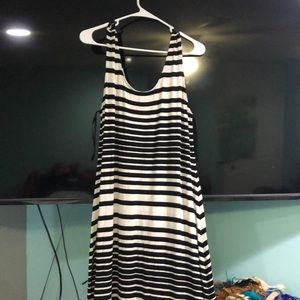 Long maxi dress. Black and white stripe
